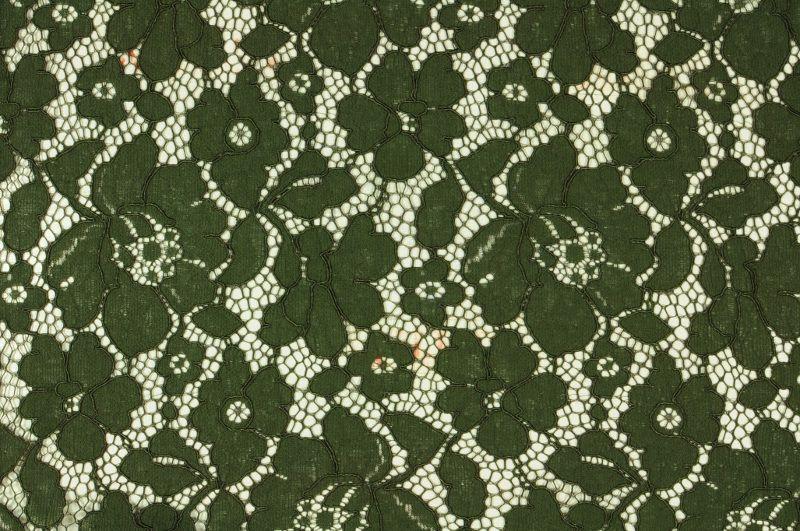 Tmavě zelená krajka, š.150 cm