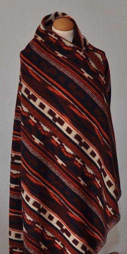 Hnědo - rezavá vlněná látka se vzorem ,š.160 cm