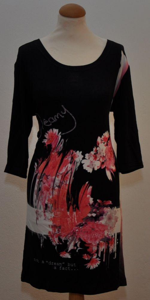 Černý elastický úplet s růžovo-bílým květinovým vzorem , panel po 85 cm, š. 170 cm
